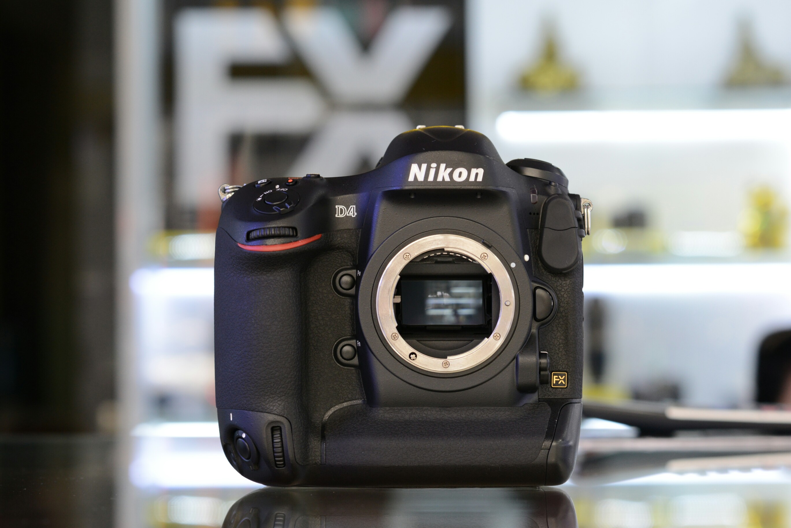 Nikon D4 Body (56.100 shot) fullbox